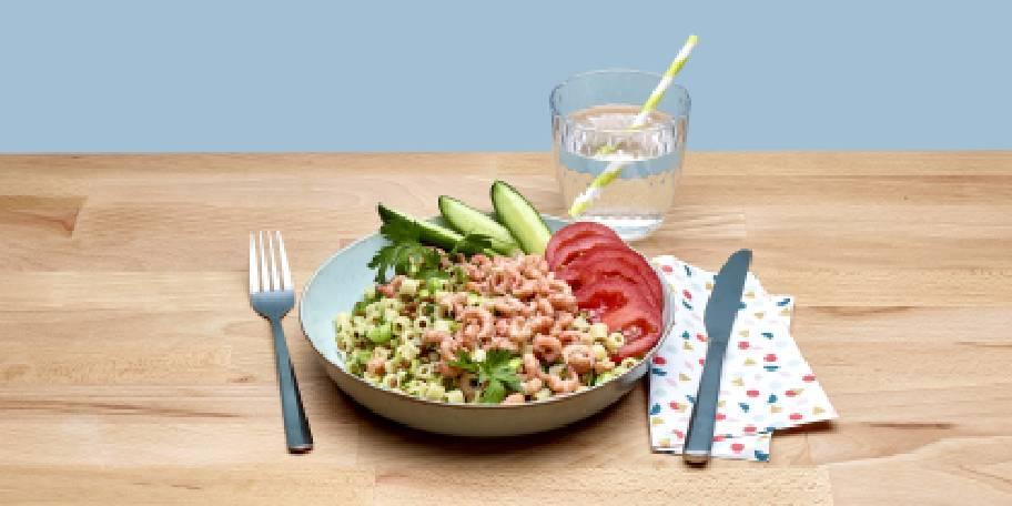 Salade de pâtes auxcrevettesgrises,tomatesetlentilles