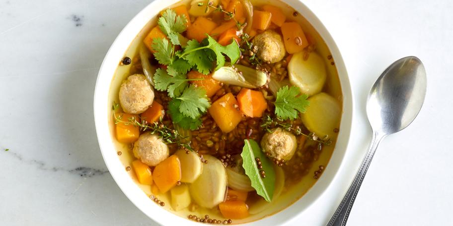 Bouillon-repas aux boulettes et à l'épeautre
