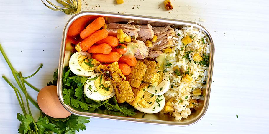 Kid's lunchbox met tonijn en geroosterde mais