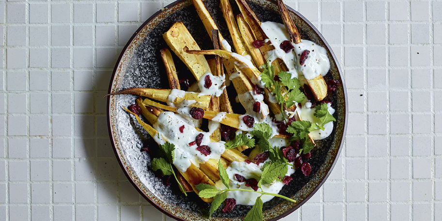 Panais rôtis et sauce au yaourt