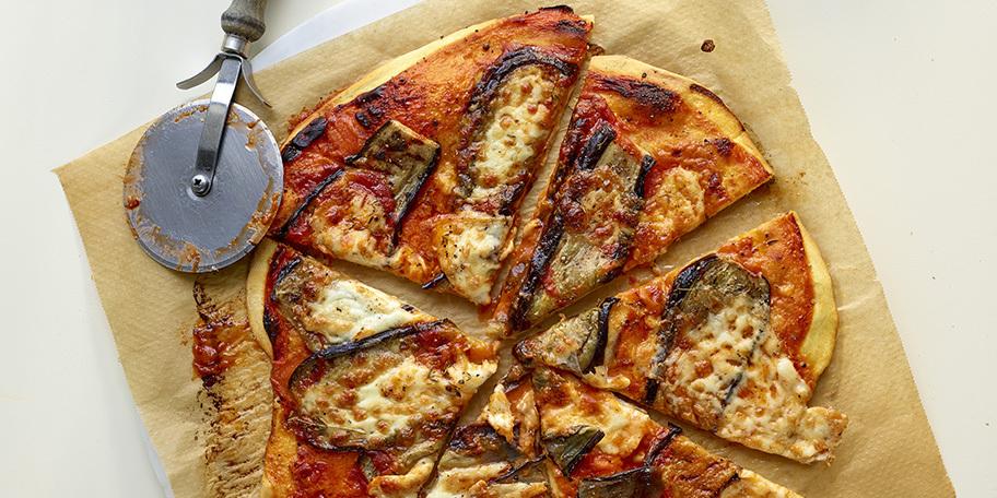 Pizza maison aux aubergines