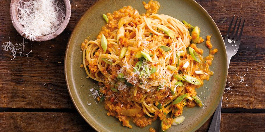 Spaghetti bolognese met rode linzen