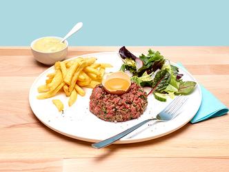 Américain, salade et frites maison Plat National