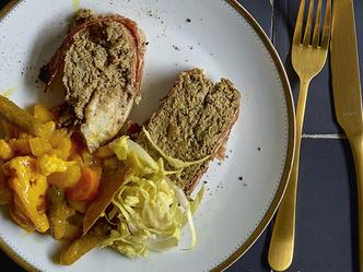 Paté van konijn met witloof, homemade pickles