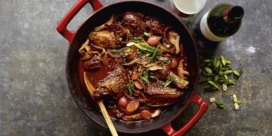 Coq au vin aux saveurs asiatiques