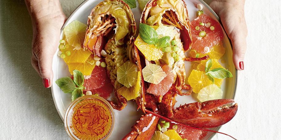 Kreeft met citrusvruchten en saffraandressing