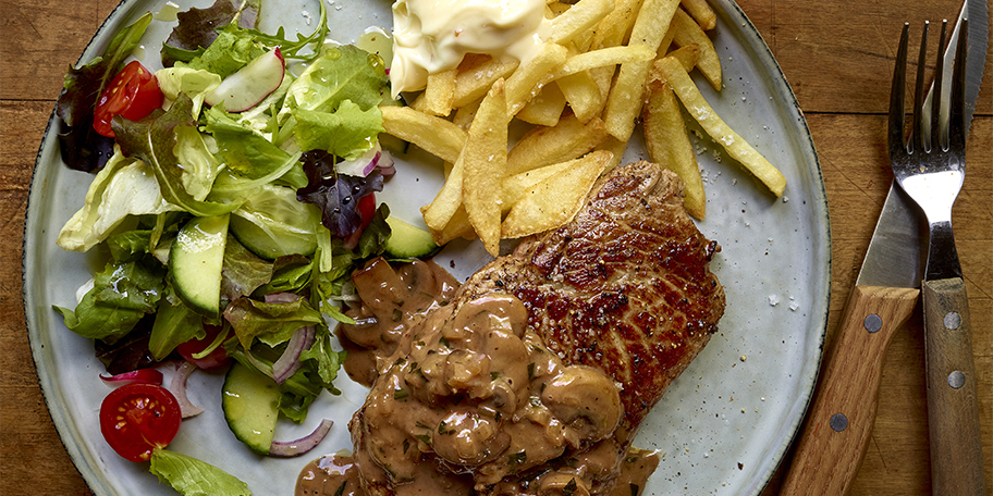 Steak frites, sauce à l'estragon et au porto