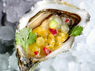 Rauwe oesters met exotische dressing