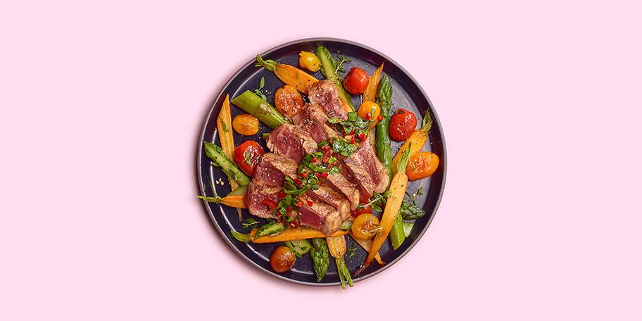 Entrecôte irlandaise, salsa chimichurri et petits légumes au thym