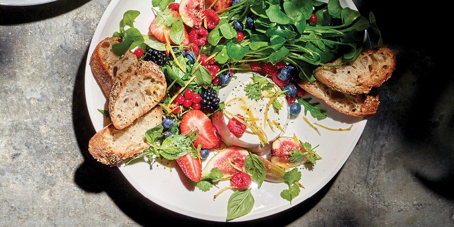 Salade aux fruits d'été, ricotta au citron et au poivre de Sichuan